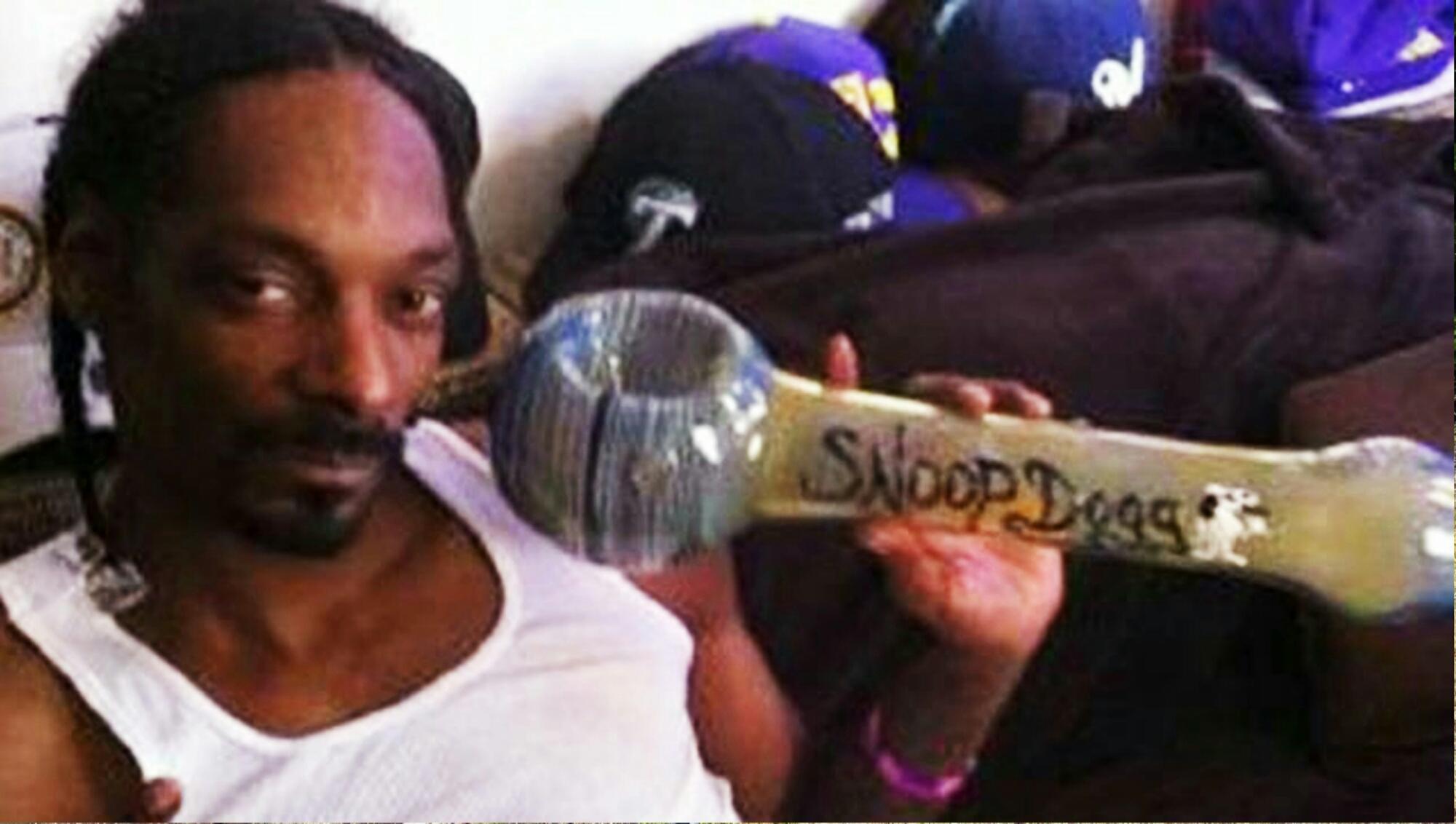 Snoop dogg white face