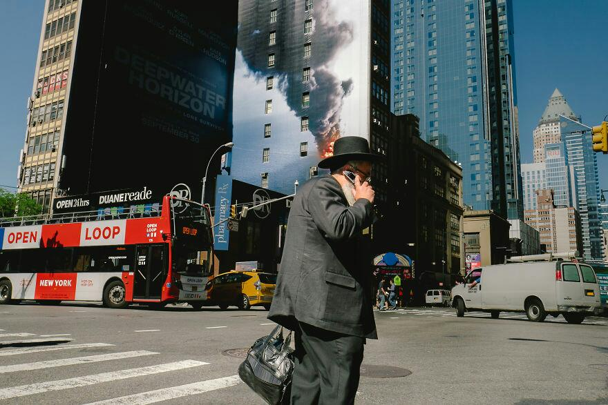 Amazing Coincidences That Was Captured By The Photographer While Traveling