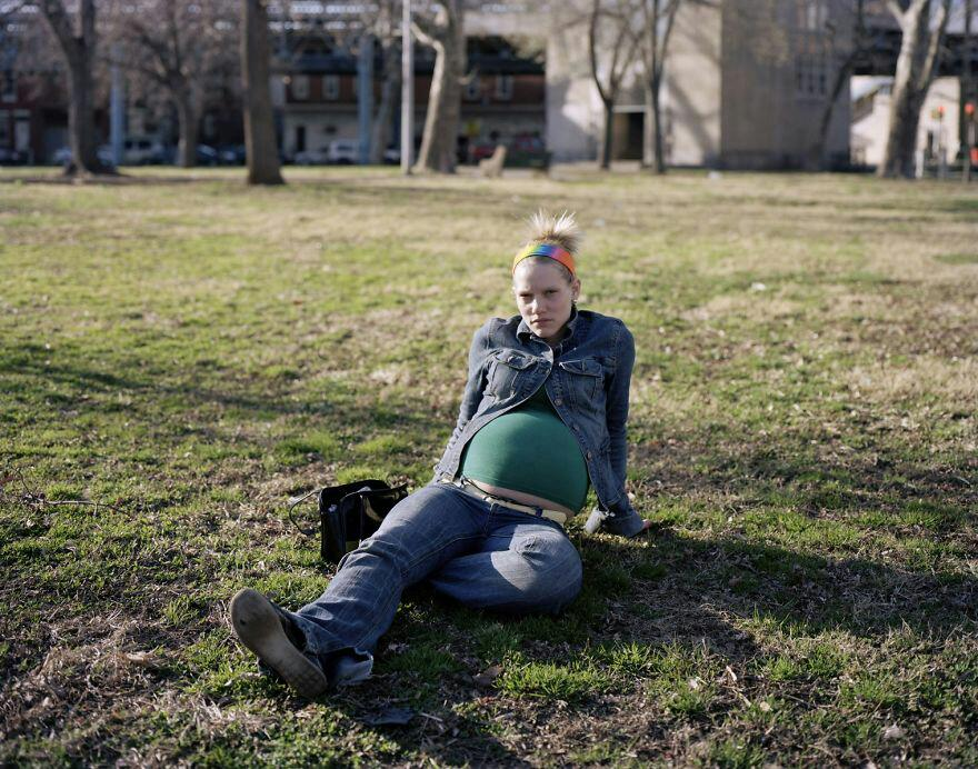 The Addicted Side Of The Streets Of Philadelphia Revealed By The Photographer