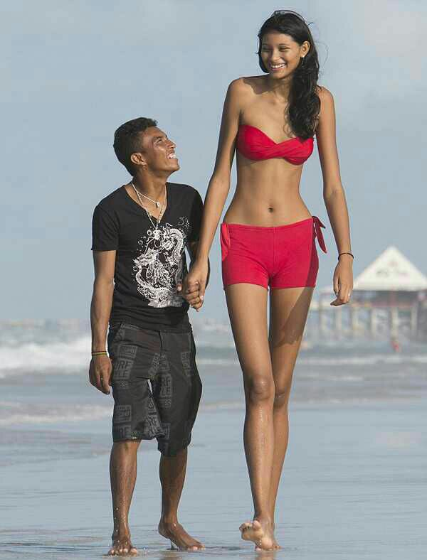 12 Annoying Problems Only Tall People Have